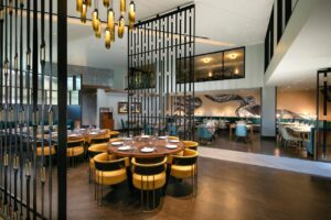 Le Meridien open lobby restaurant area